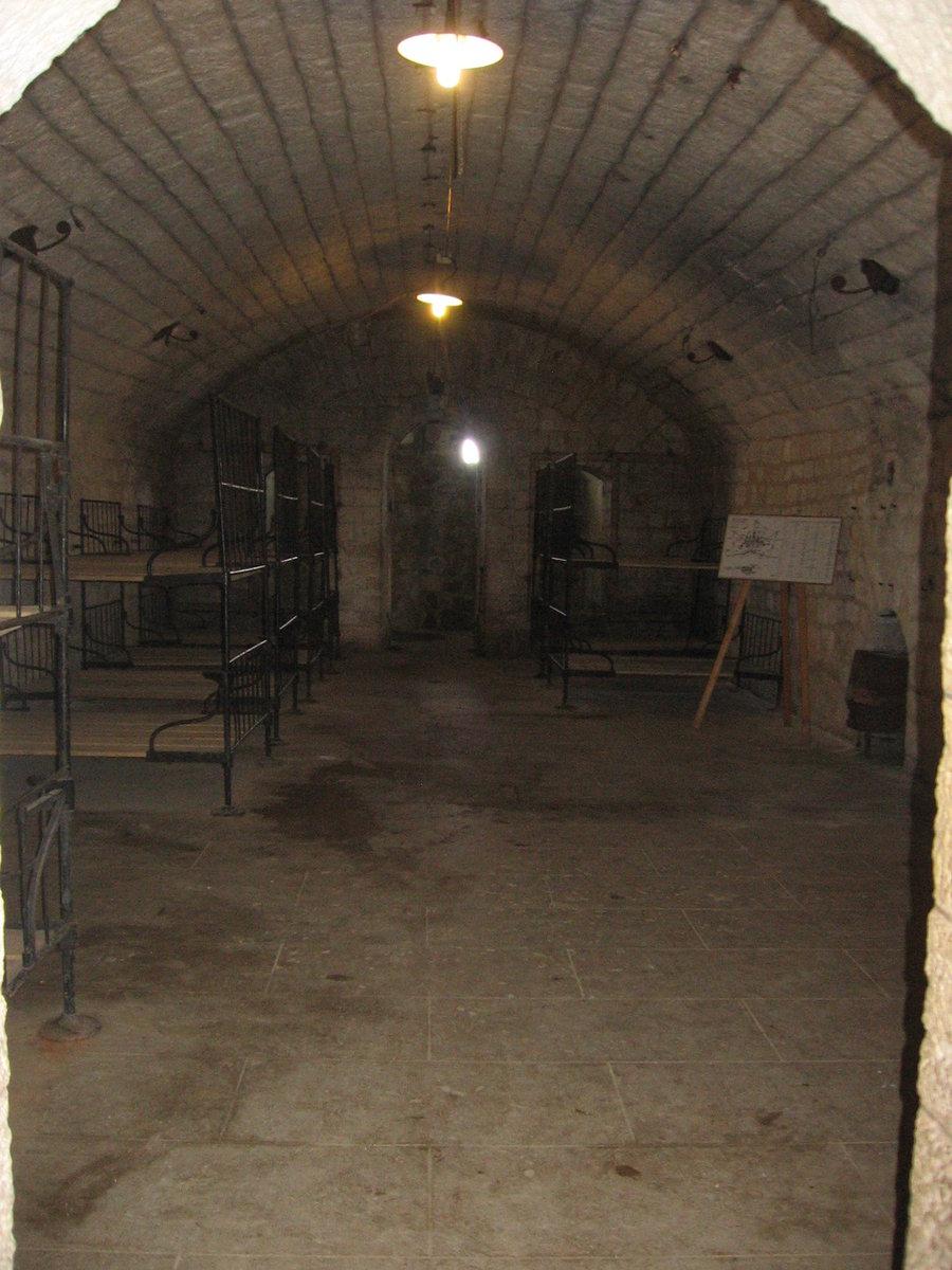 02.05.2018 Urbex Spezial - Verdun Fort de Douaumont Innenansichten ...